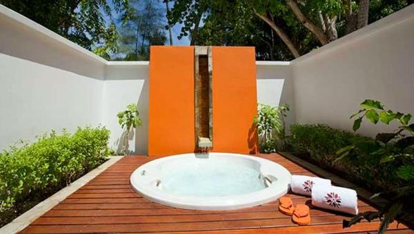 Beachfront Jet Pool Villas