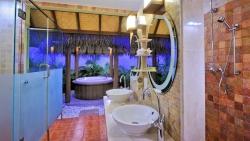 JacuzziBeachVilla bathroom