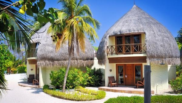 Jacuzzi Beach Villa front