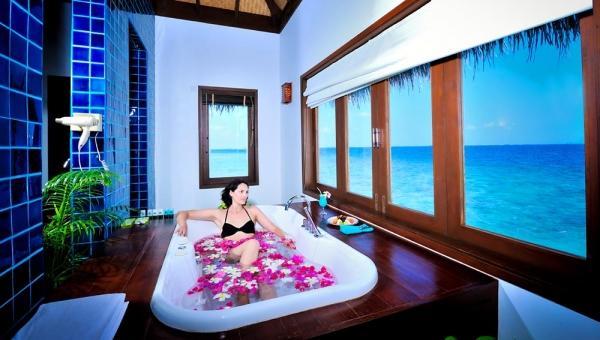 Watervilla bath