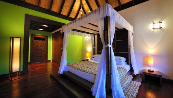 Watervilla bedroom