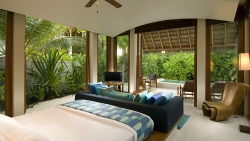 Feel the open natural surroundings around you in the Deluxe Beach Villas