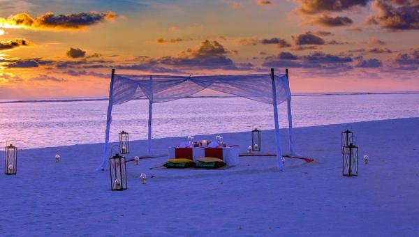 Sunset Private Beach Dining