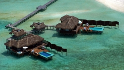 The outstanding Sunset Water Villas
