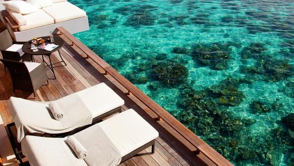 Park Water Villa Deck & Coral Reef