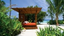 Jumeirah-Dhevanafushi---Island-Revive-Sala-Day-Beds