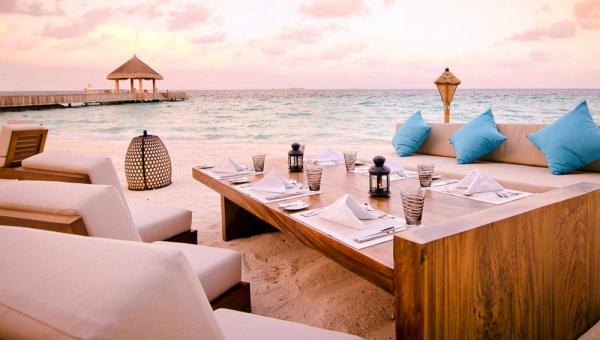 Jumeirah Vittaveli Mu Beach Bar Grill Restaurant