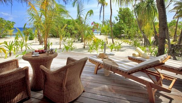 Maafushivaru Beach Villa Deck