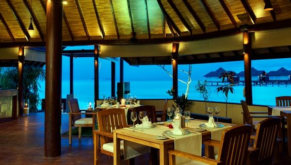 Robinson Club Maldives Dinner