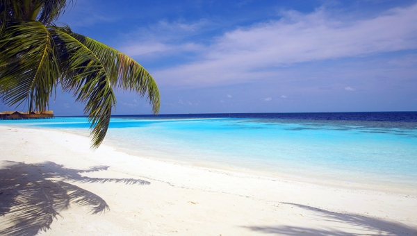 Huvahendhoo Island Beach