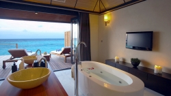 Deluxe Water Villa Bath Interior View