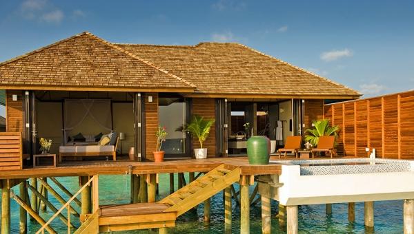 Deluxe Water Villa Exterior