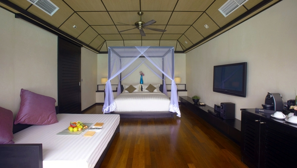 Deluxe Water Villa Interior Bedroom