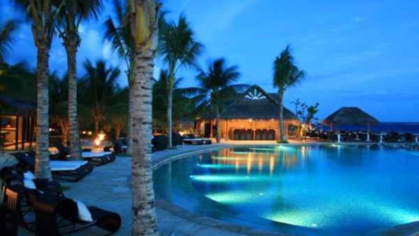 Vivanta by Taj Coral Reef, Maldives - Celsius Swimming Pool