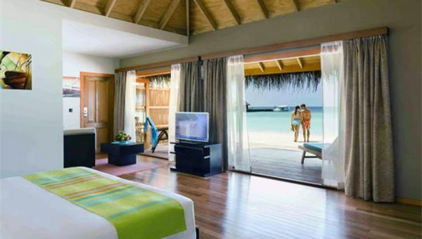 Jacuzzi Beach Villa