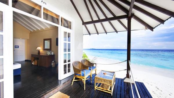 Adaaran Meedhupparu Resort and Spa