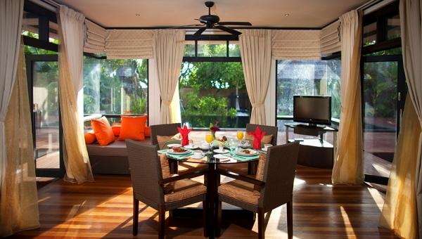 Celebrity-Retreat-Dining-Room