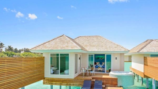 Aqua Villa with Jacuzzi