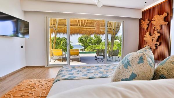 Family Beach Villas with Pool