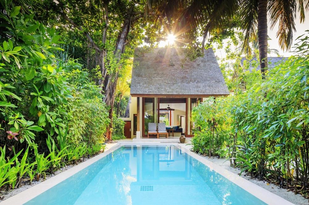 Deluxe Beach Villa