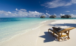 7 NIGHTS DELUXE BEACH VILLA WITH HALF BOARD AND RETURN SEAPLANE TRANSFERS