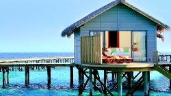 7 Nights in CENTARA RAS FUSHI (Deluxe Water Villa)