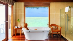 EXCLUSIVE HONEYMOON DISCOUNT ON WATER VILLA