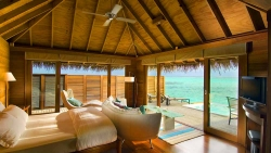 EXCLUSIVE HONEYMOON DISCOUNT ON SUPERIOR WATER VILLA