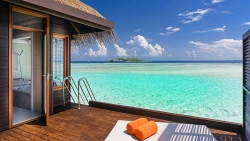 EASTER HOLIDAY - STAY 5 NIGHTS at WATER BUNGALOW