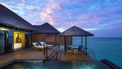 HONEYMOON STAY 5 NIGHTS INFINITY WATER VILLA