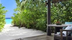 STAY 5 NIGHTS BEACH POOL VILLA & INCLUDING NEW YEARS EVE AT VAKKARU MALDIVES
