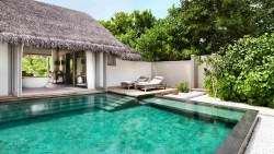 STAY 7 NIGHTS BEACH POOL VILLA & INCLUDING CHRISTMAS EVE, NEW YEARS EVE AT VAKKARU MALDIVES