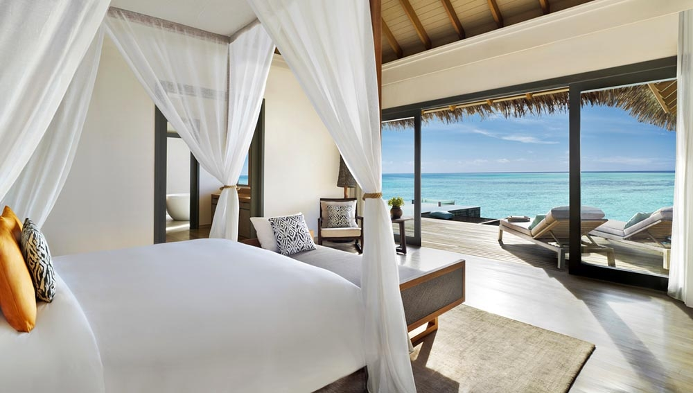 STAY 5 NIGHTS OVER WATER POOL VILLA & INCLUDING CHRISTMAS EVE AT VAKKARU MALDIVES