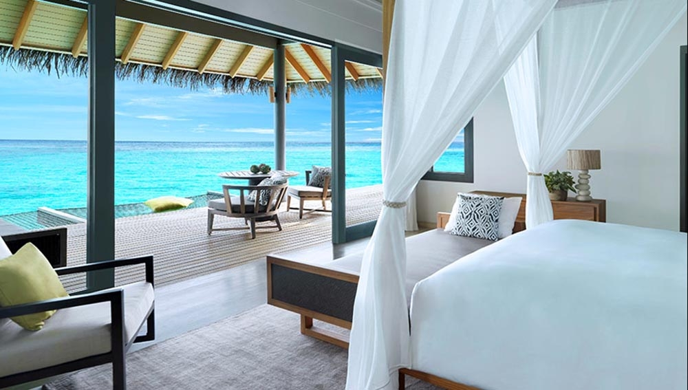 STAY 7 NIGHTS OVER WATER POOL VILLA & INCLUDING CHRISTMAS EVE, NEW YEARS EVE AT VAKKARU MALDIVES