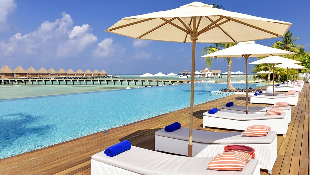 STAY 5 NIGHTS BEACH VILLA ON BED AND BREAKFAST BASIS