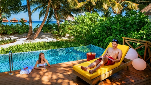 STAY 5 NIGHTS OVERWATER VILLA ON BED AND BREAKFAST BASIS