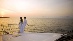 EARLY BIRD HONEYMOON PACKAGE - DHONI SUITE