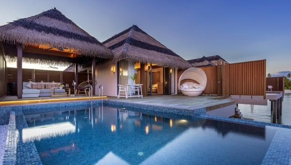 STAY 7 NIGHTS OCEAN POOL VILLA (FESTIVE)